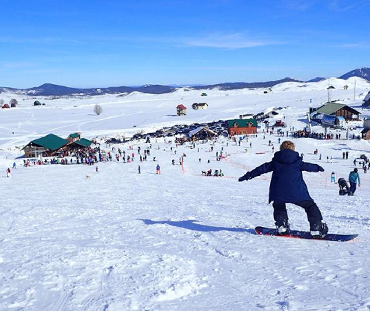 budget snowboarding Montenegro